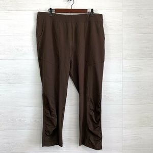 Chicos Zenergy SZ 2 Brown Ruched Leg Pants